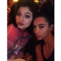 La joven de 17 años ha demostrado que puede ser tan popular como Kim Foto:Instagram/KimKardashian