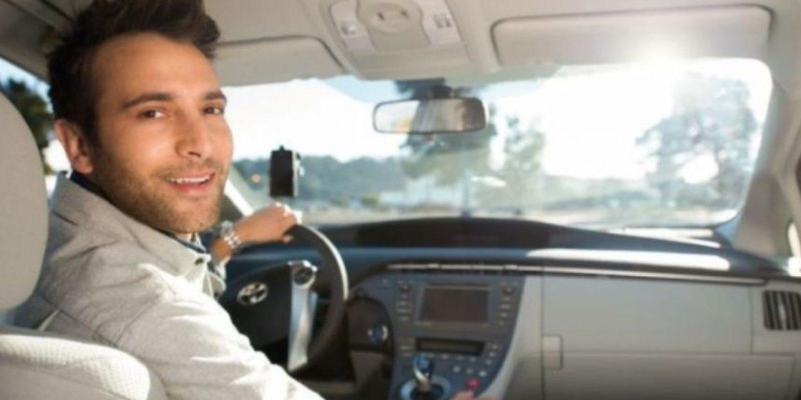12) El cobro se hace al finalizar el viaje y se paga con PayPal (no válido para promociones), tarjeta de débito o crédito. Foto:Uber