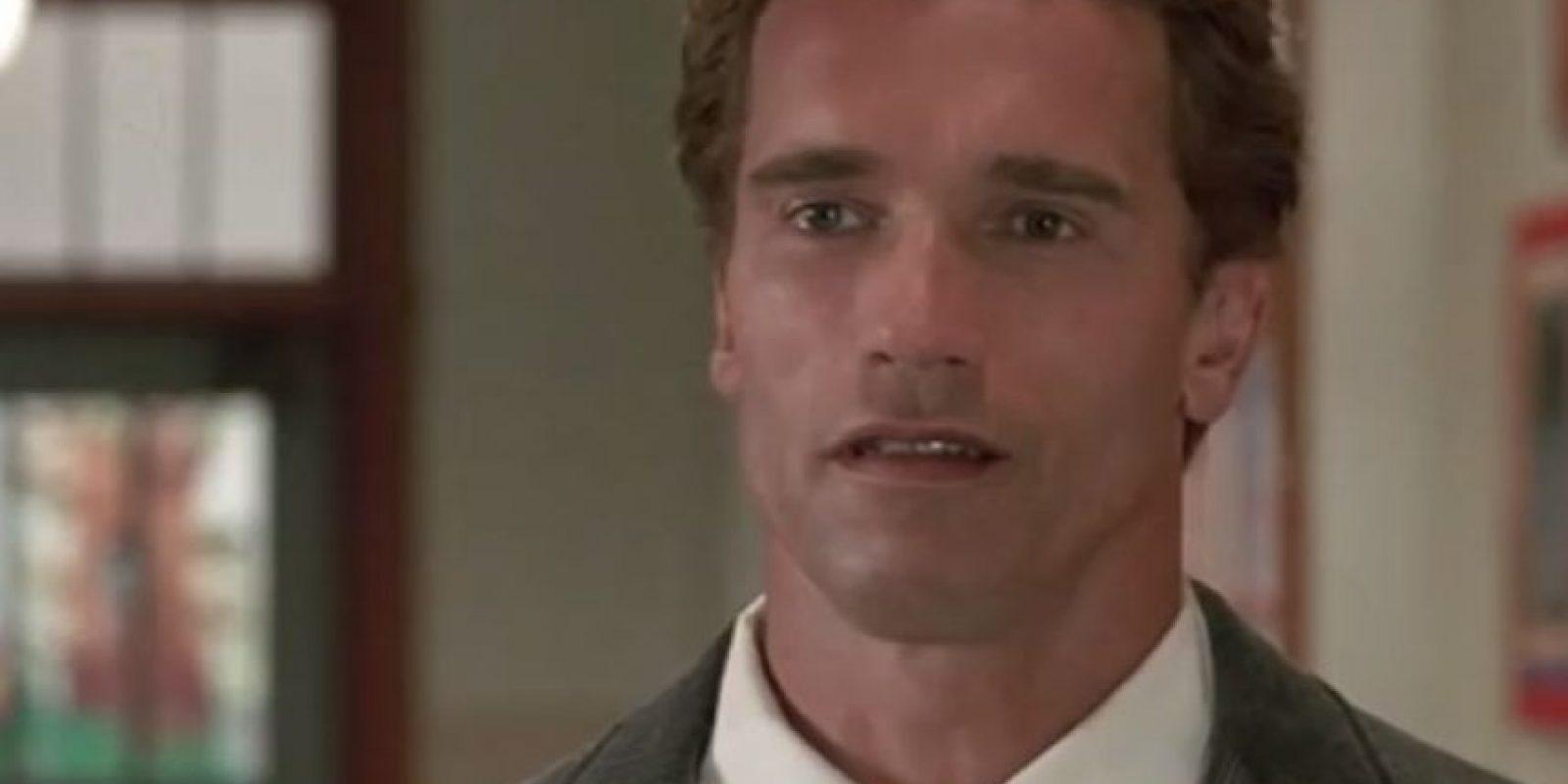 """Interpretó al agente """"John Kimble"""", quien se convierte en profesor de guardería para seguir la pista de un narcotraficante. Foto:YouTube"""