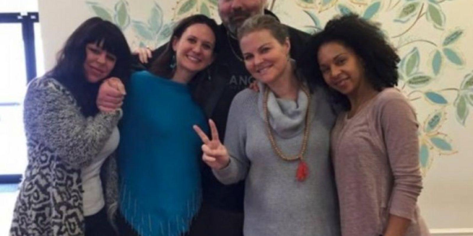 Elizabeth Diamond (centro derecha) y Laura Ruffino (centro izq), eran amigas desde hace mucho tiempo. Foto: youcaring.com