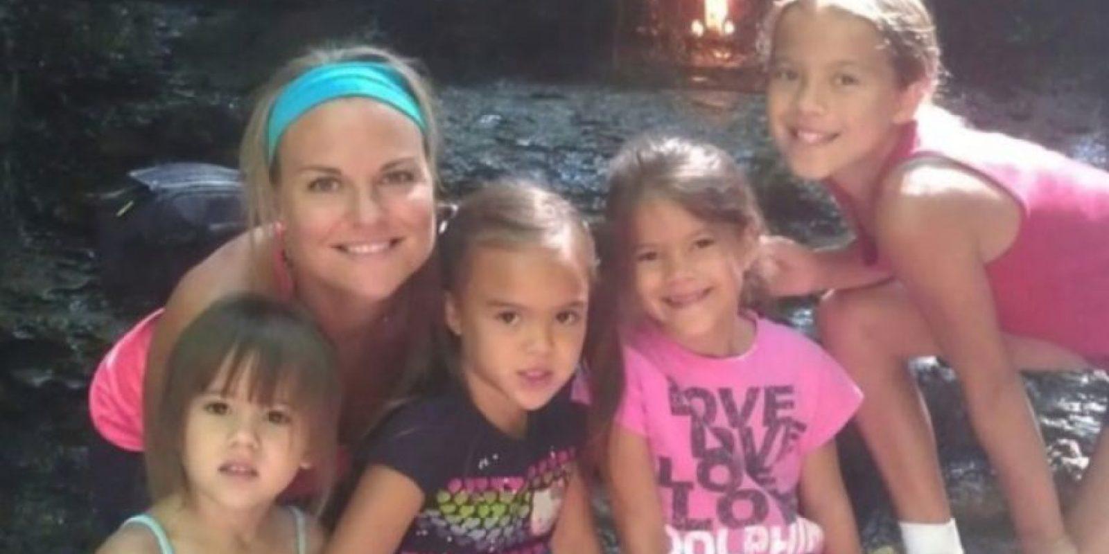 Mujer muere de cáncer y su mejor amiga adopta a sus 4 hijas Foto: youcaring.com