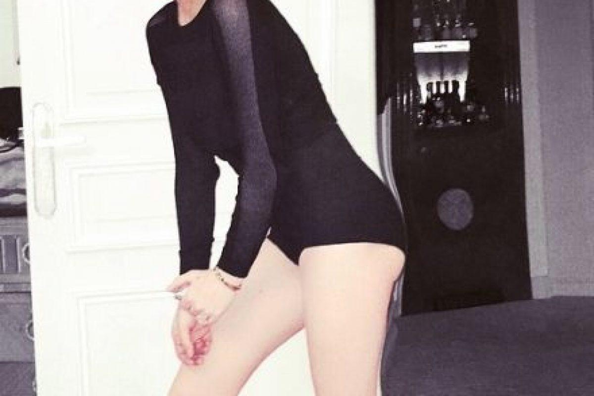 Lohan también es famosa por recurrir al Photoshop para mejorar sus atributos. Foto:vía instagram.com/lindsaylohan