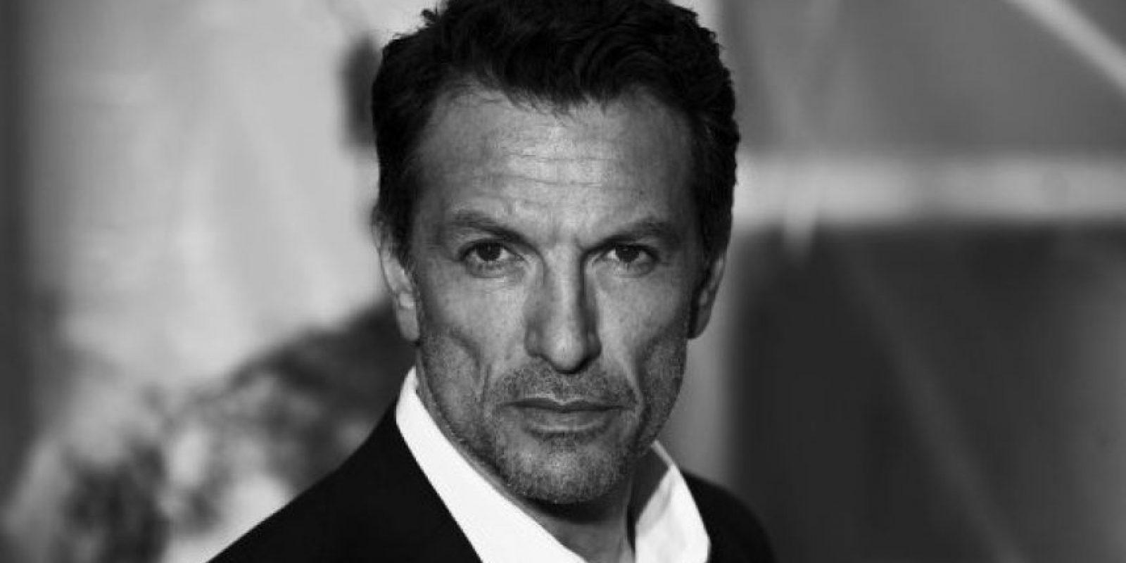"""Ahora tiene 52 años y es más recordado por su aparición en la película """"Ángeles y demonios"""". Foto:IMDB"""
