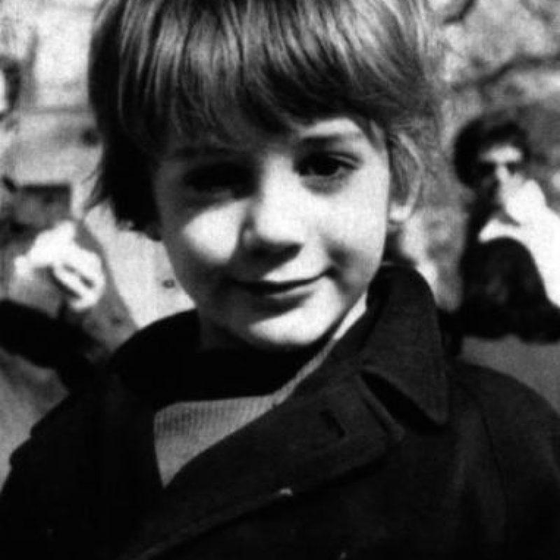 A los 6 años, su padre le dio a probar un cigarro de marihuana. Foto:vía facebook.com/robertdowneyjr
