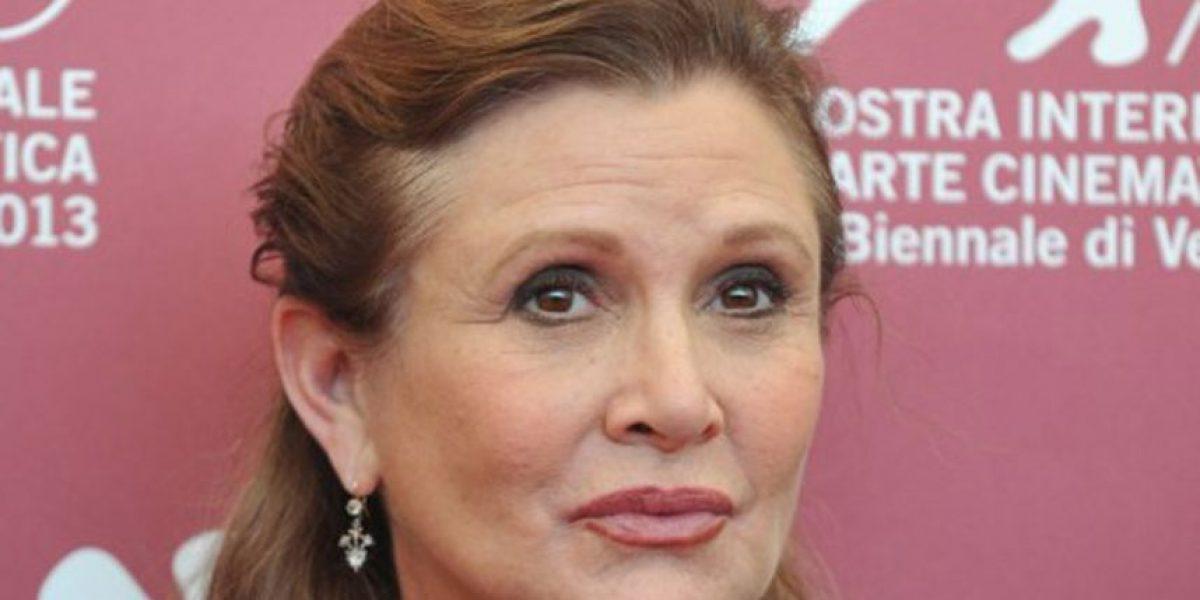 Envían mensaje de pronta recuperación a Carrie Fisher, incluido Harrison Ford