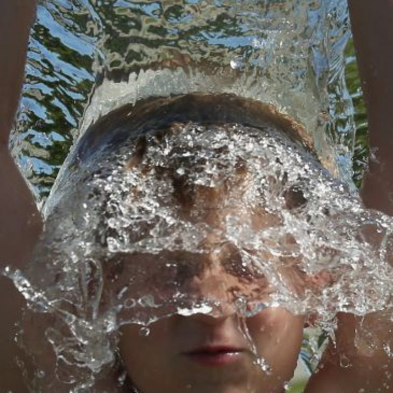 Programe las actividades vigorosas al aire libre para horas no tan calurosas Foto:Getty Images