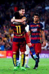 A final de cuentas, ambos futbolistas fueron amonestados por el altercado. Foto:Getty Images