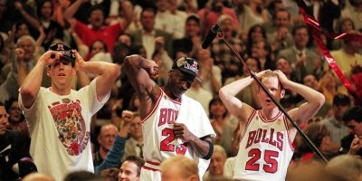 Los míticos Bulls donde jugaron Michael Jordan, Scottie Pippen y Dennis Rodman, tienen 6 anillos de la NBA en 49 años de historia. Foto:Getty Images