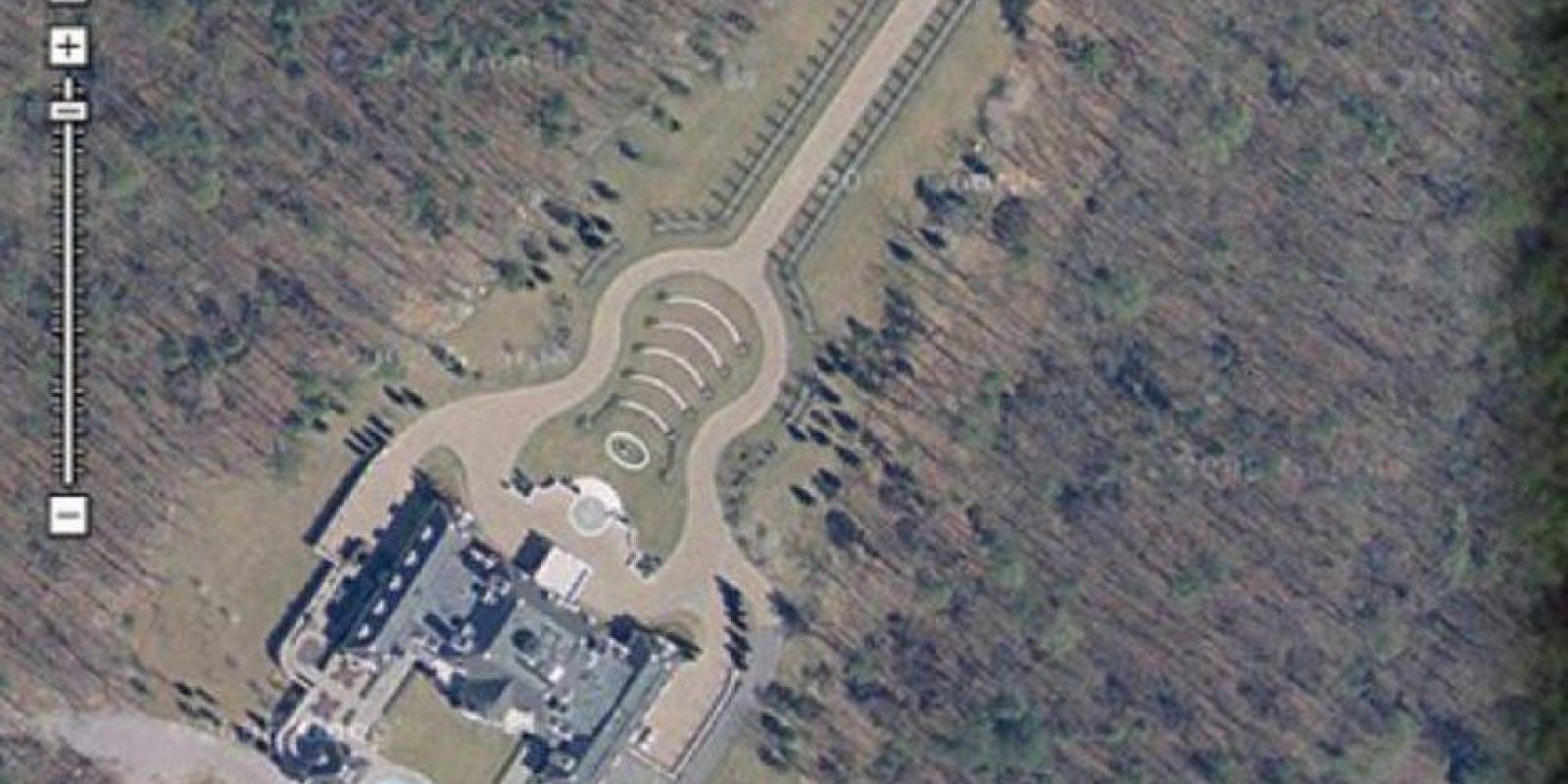 Esta es una mansión con forma de guitarra Foto:Google