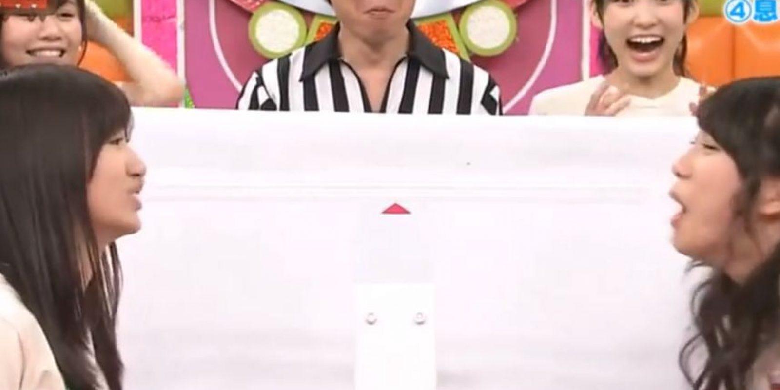 Es una lucha encarnizada. Foto:vía Youtube/Tv Nippon
