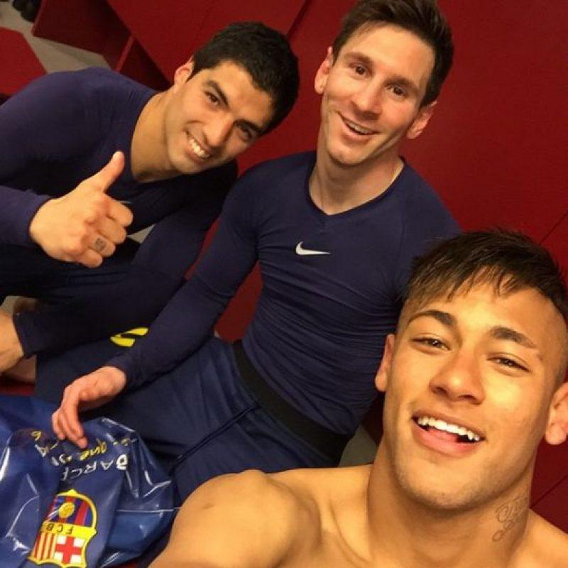 A lo largo de la temporada, los jugadores del Barça compartieron en redes sociales imágenes íntimas en el vestuario del equipo. Foto:Vía instagram.com/neymarjr