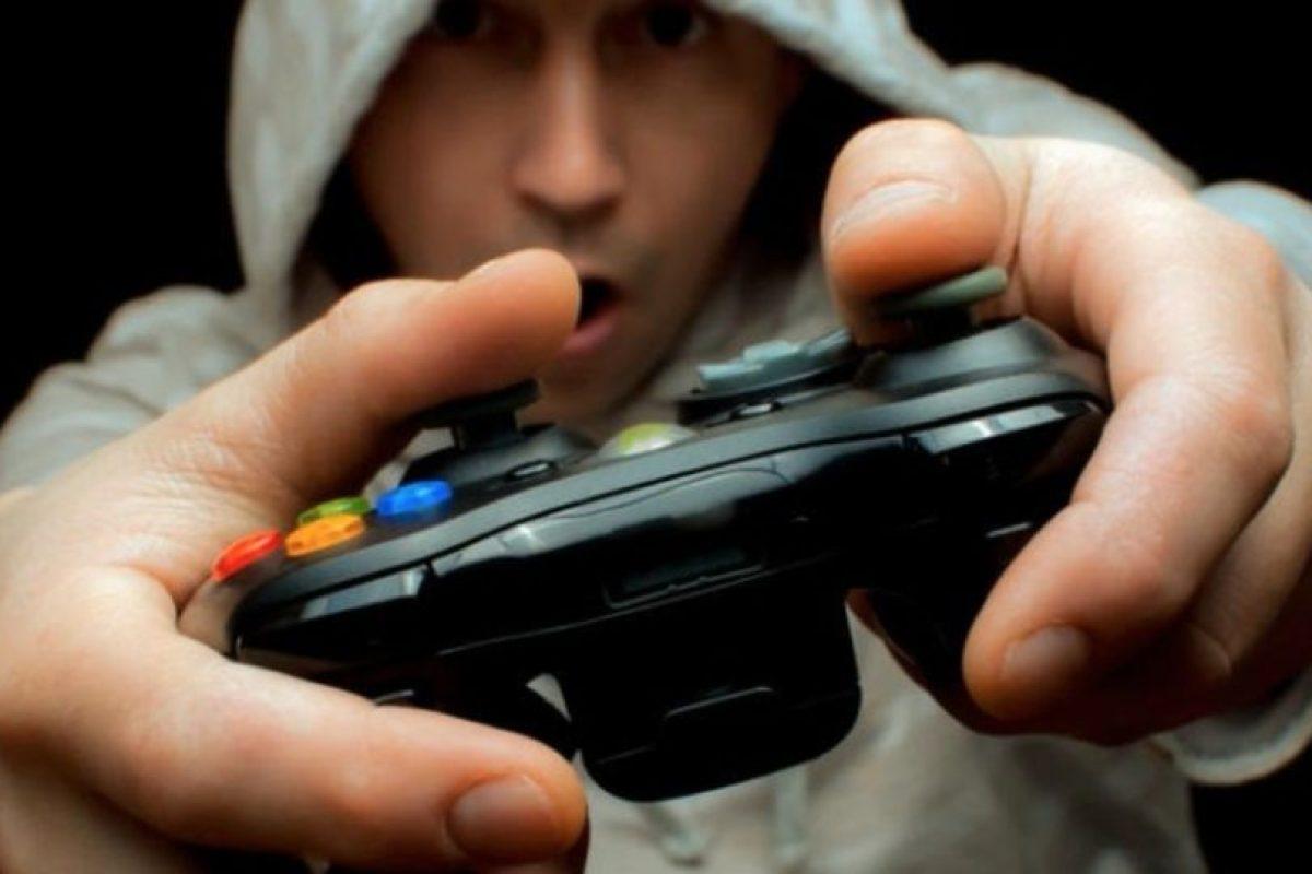"""Los videojuegos de acción podrían aumentar el riesgo de sufrir alzheimer según un estudio realizado por la Universidad de Montreal en Canadá. """"Call of Duty"""" y """"Assassin's Creed"""" necesitan que los """"gamers"""" navegen en la pantalla utilizando un área del cerebro llamada núcleo caudado, lo que lleva a perder materia gris en el hipocampo, aseguraron los especialistas. Foto:Pixabay"""