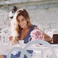Da consejos de estilo y belleza. Foto:vía Instagram/michellesalas