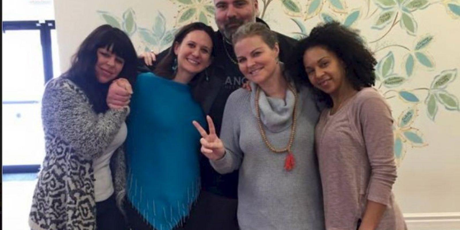 Elizabeth Diamond (centro derecha) y Laura Ruffino (centro izq), eran amigas desde hace mucho tiempo. Foto:Vía youcaring.com