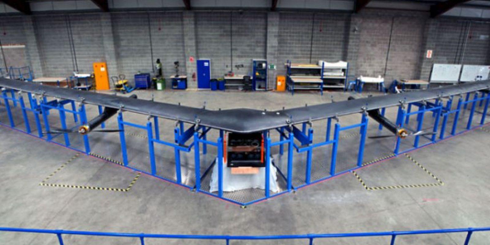 Tiene el tamaño de un Boeing 767 (avión comercial), sin embargo, utiliza materiales ligeros que permiten que pesan menos de un coche Foto:Facebook