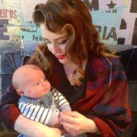 En la foto Gemma con su bebé Foto:Vía Facebook