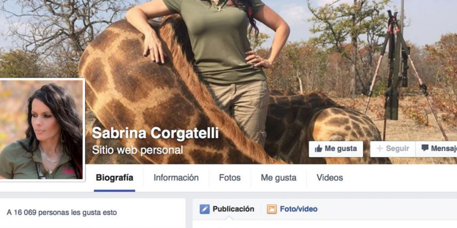 Sobre todo por la foto donde posa con una jirafa anciana muerta. Foto:vía Facebook/ Sabrina Corgatelli