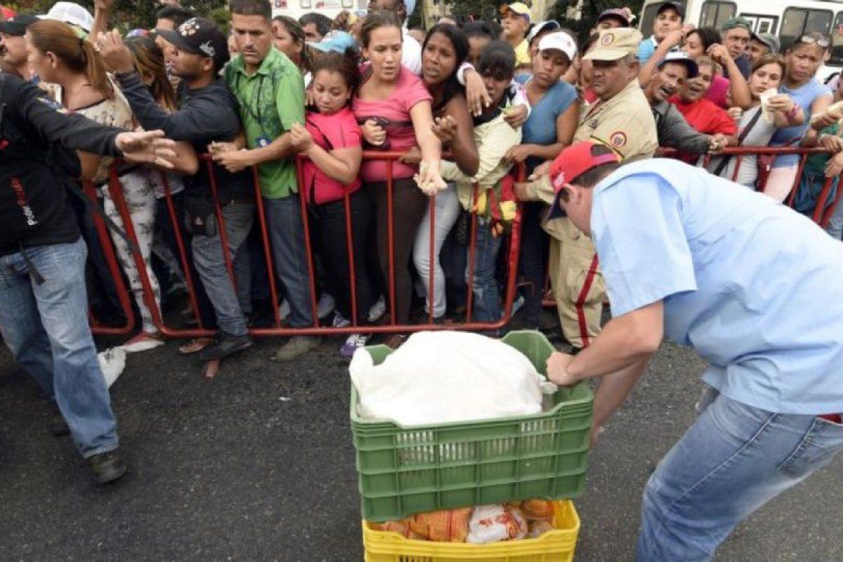 """Según el portal """"Infobae"""", Freddy Ceballos, presidente de la Federación Farmacéutica de Venezuela, destacó que la escasez abarca al 85% de las farmacéuticas. Foto:vía AFP"""