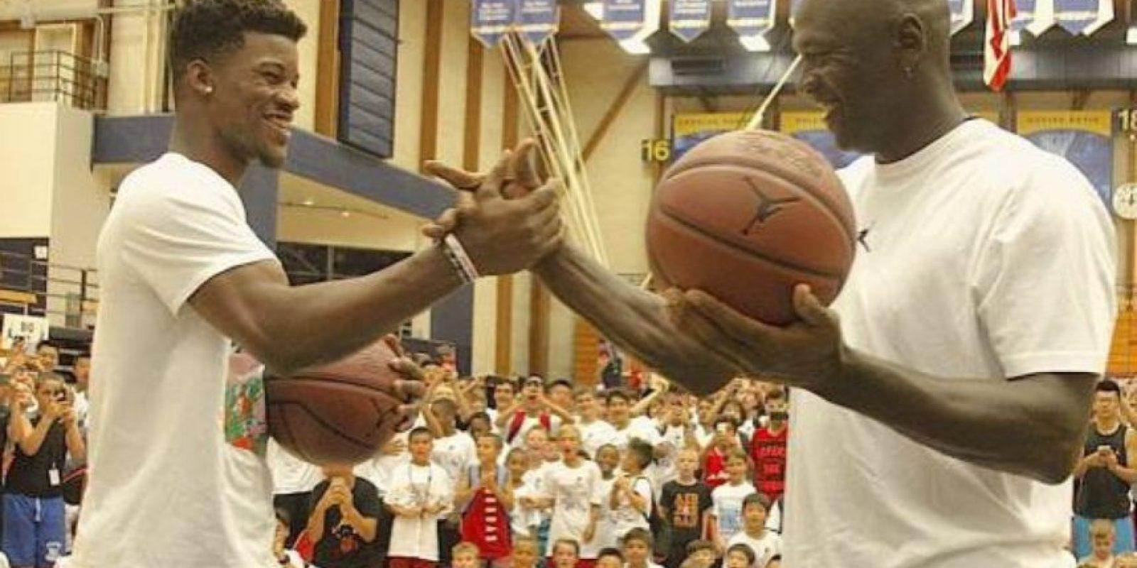 """""""MJ"""" venció a Jimmy Butler en un mini partido de disparos, en el que cada uno tenía a un niño de pareja Foto:Vía instagram.com/jimmybutler"""
