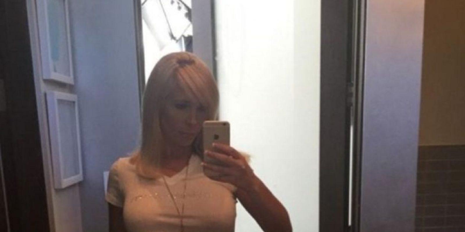 La actriz y productora de películas porno Tasha Reign, quien ha filmado alrededor de 120 películas para adultos, compartió en el sitio Brobible.com algunos de sus más sexis consejos para despertar la pasión. Foto:Vía Twitter: @TashaReign