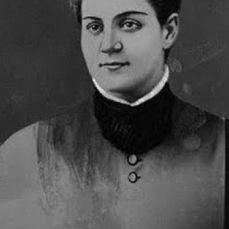"""Jane Toppan: enfermera estadounidense, fue la primera que horrorizó y escandalizó a la sociedad americana del siglo XIX. No era para menos: mató entre 70 y 100 pacientes y conocidos (incluyendo a su hermana). Les inyectaba atropina, morfina y estricnina. Afirmó que le causaba placer sexual matar a sus víctimas. Fue declarada loca y murió en un sanatorio, balbuceando frases como: """"Traiga algo de morfina y vayamos al pabellón, querida. Nos divertiremos viéndolos morir"""". Foto:vía Getty Images"""