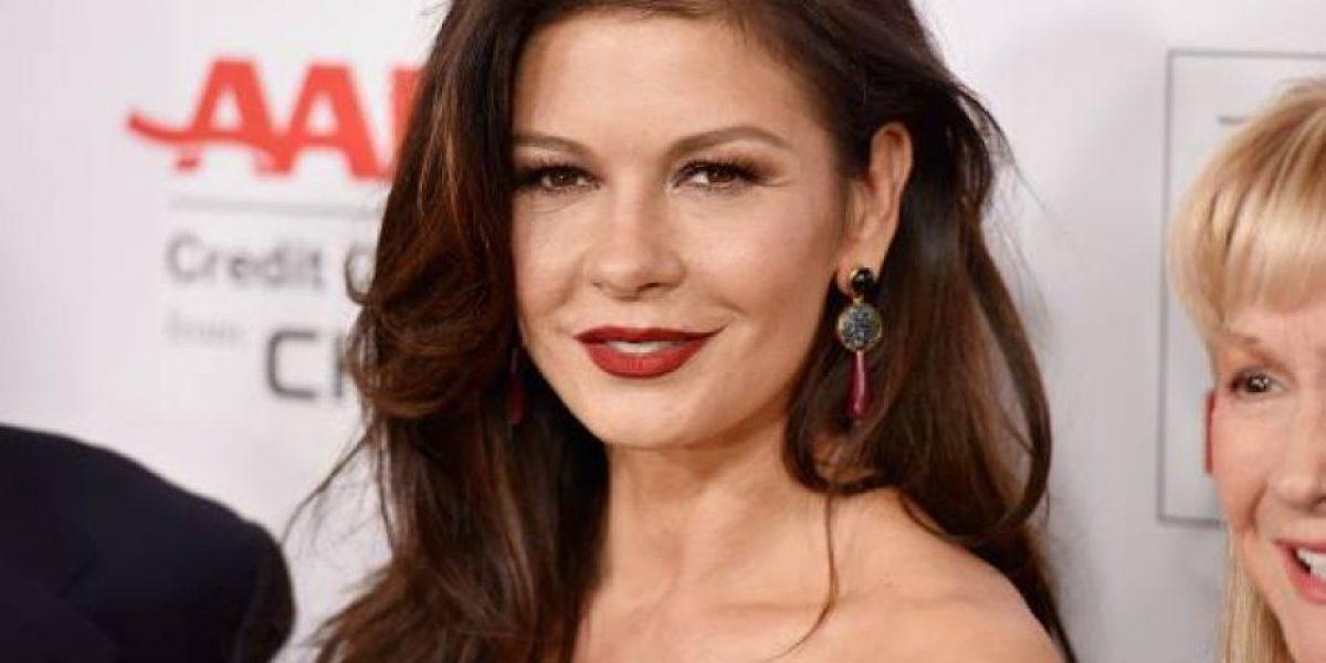 La hija de Catherine Zeta-Jones se parece cada vez más a ella