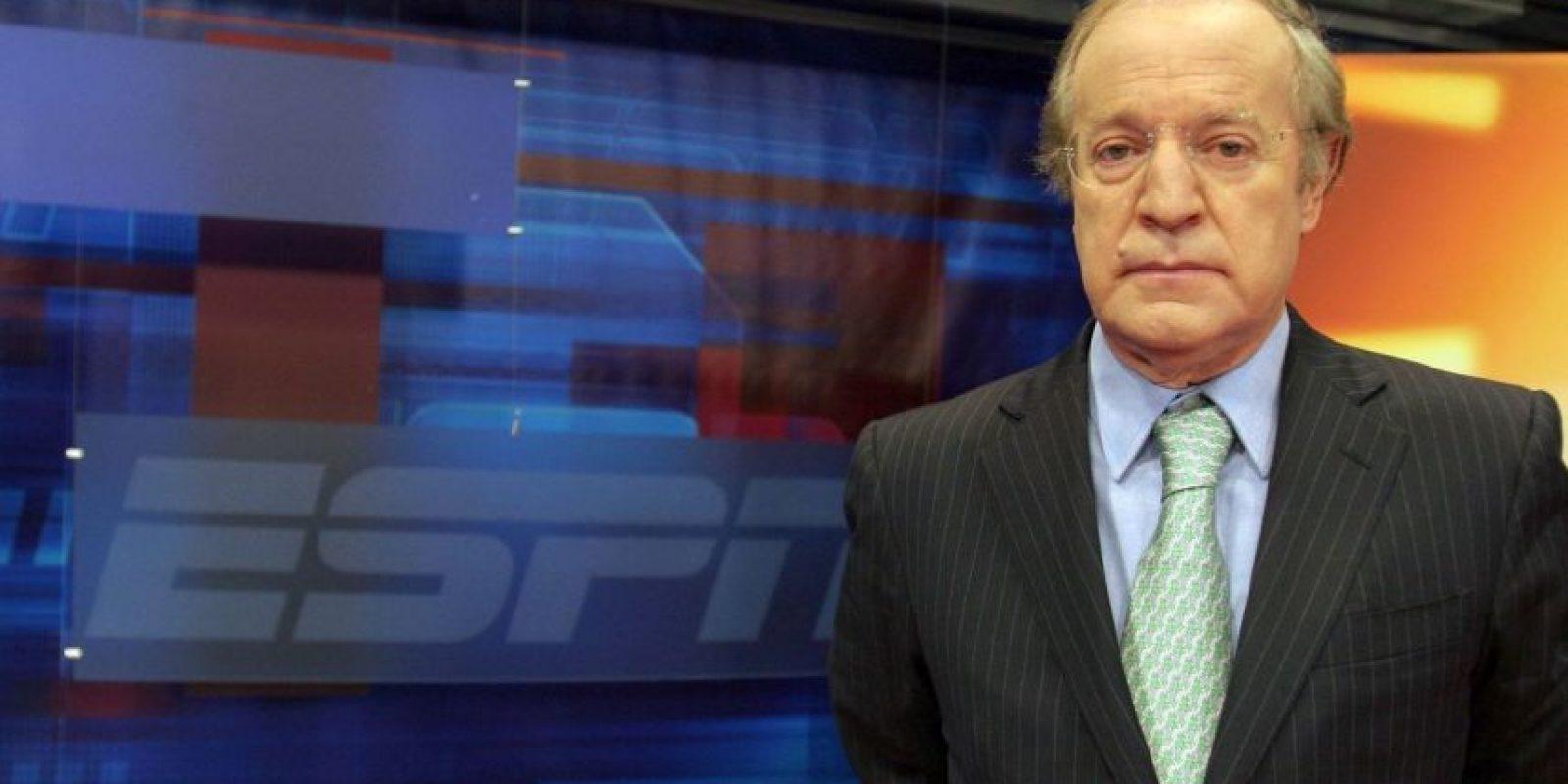 El experimentado comunicador se vio obligado a volver sobre sus pasos luego del comentario que hizo sobre el árbitro de la final de la Liga MX. Foto:ESPN