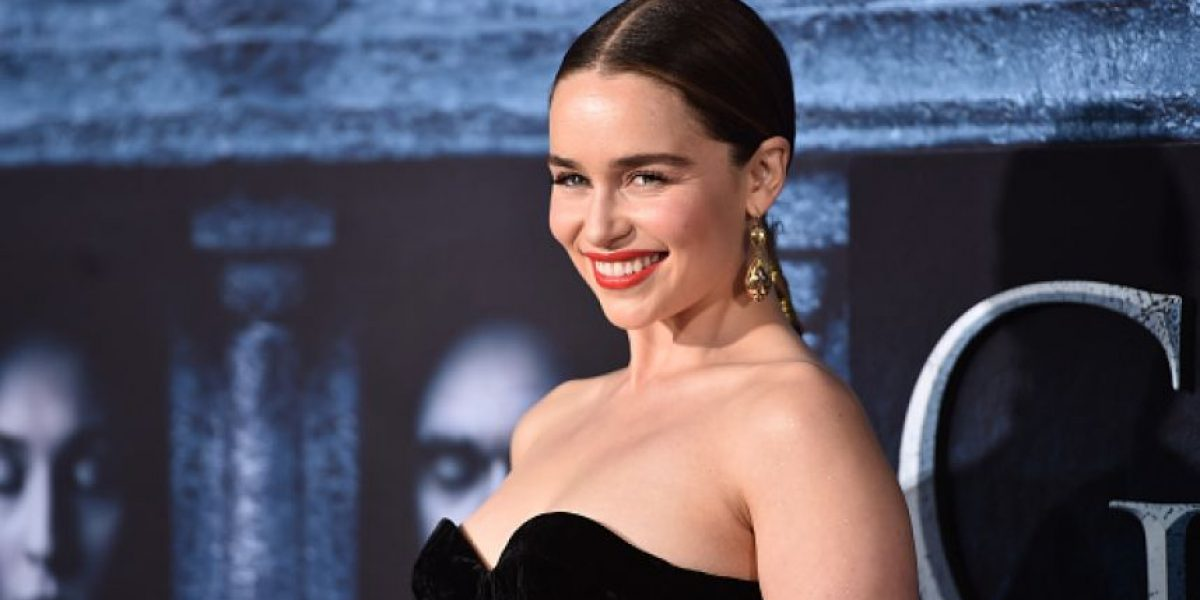 "FOTOS. La doble de Emilia Clarke en ""Game Of Thrones"" impacta con sus sensuales curvas"