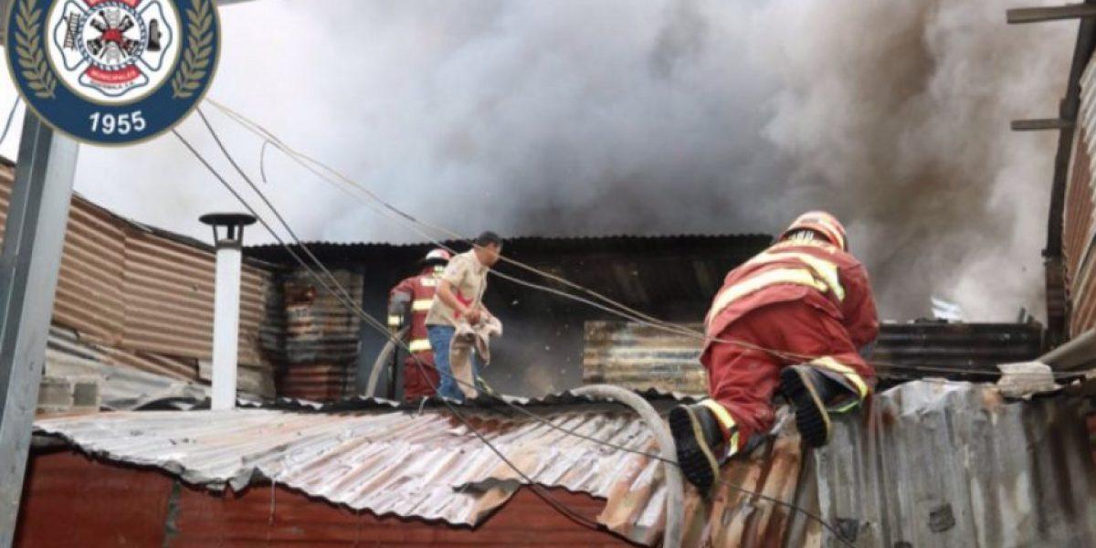 Incendio deja sin vivienda a los habitantes de un asentamiento en la zona 3, a pocos días del Año Nuevo