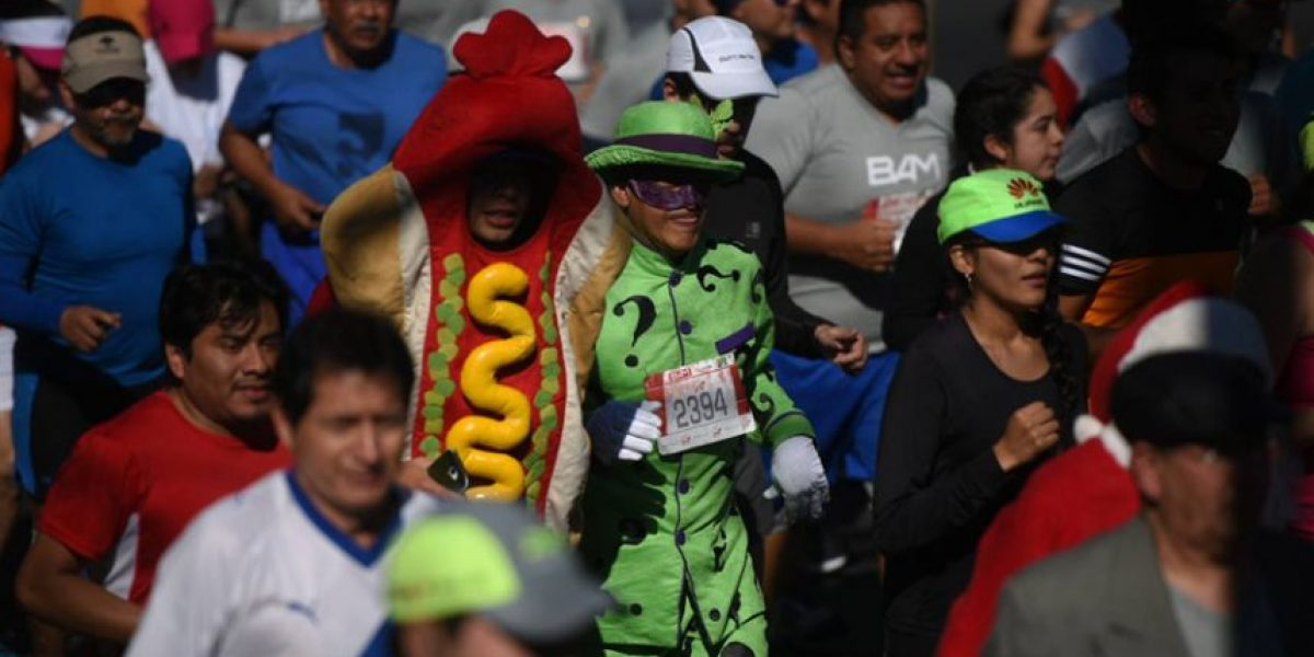 Los disfraces más coloridos, raros y estrafalarios de la carrera San Silvestre 2016
