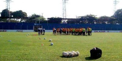 Los venados se reunieron en el estadio Carlos Salazar hijo para entrenarse bajo el mando del técnico Walter Claverí. Foto:EU Deportes