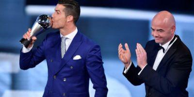 Sin sorpresas, Cristiano Ronaldo recibe el premio al mejor de 2016