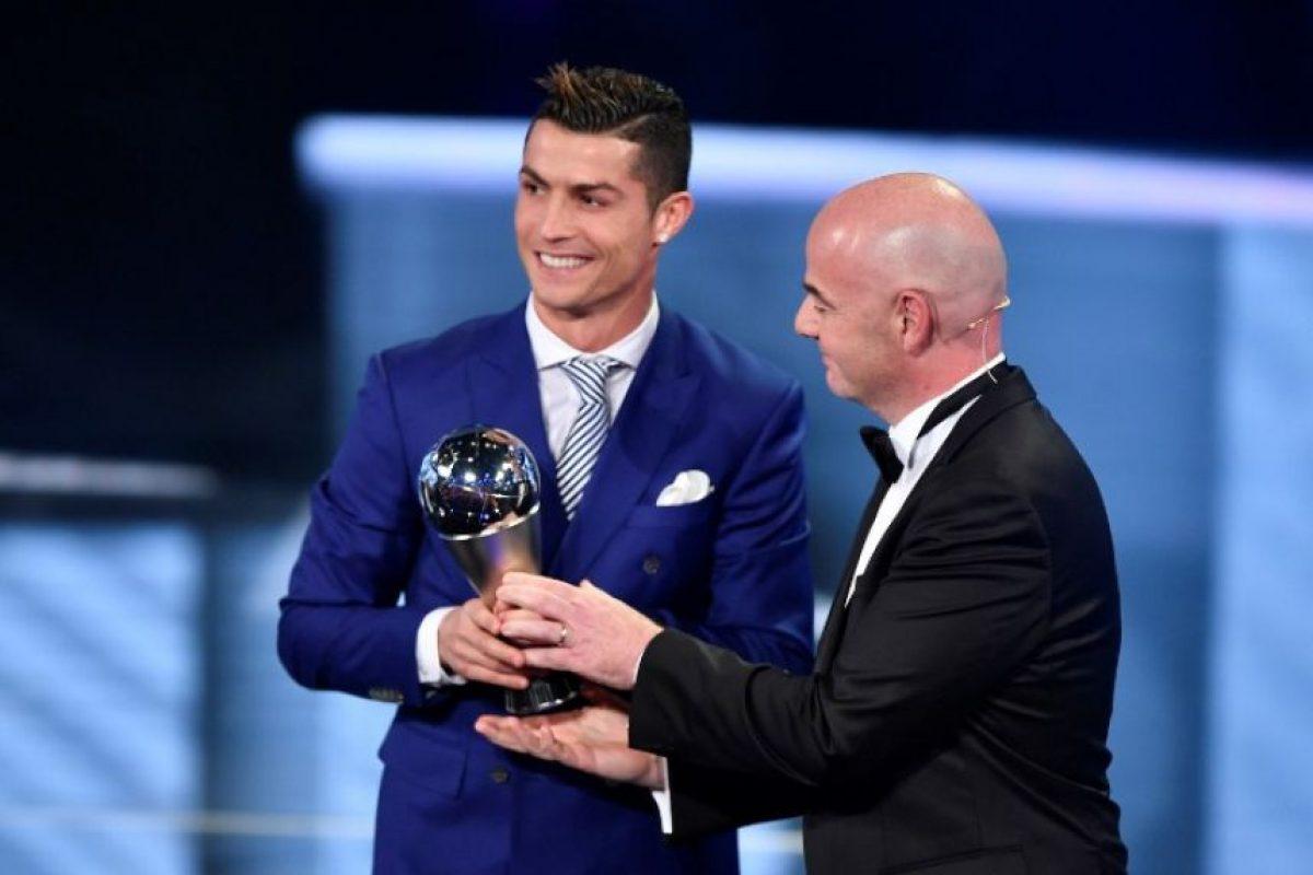 """""""Entiendo que los jugadores del Barcelona no hayan venido"""", dijo Ronaldo luego de haber sido premiado. Foto:AFP"""