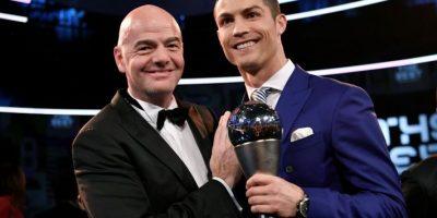 El mensaje de CR7 a los jugadores del Barcelona ausentes en la gala FIFA