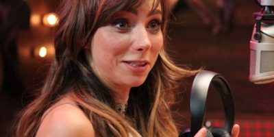 La conductora mexicana Natalia Téllez presume su belleza con fotografía topless