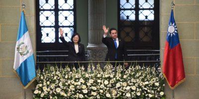 Morales le pide a presidenta de Taiwán apoyo para tramo carretero de El Rancho a Puerto Barrios