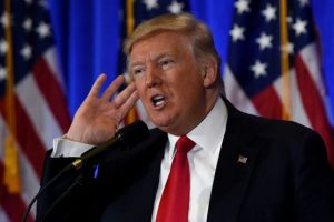 El presidente estadounidense electo, Donald Trump, en rueda de prensa el 11 de enero de 2017 en la Torre Trump, en Nueva York Foto:Timothy A. Clary/afp.com