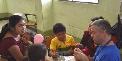 Volver a Escuchar: Médicos cambian la vida de guatemaltecos