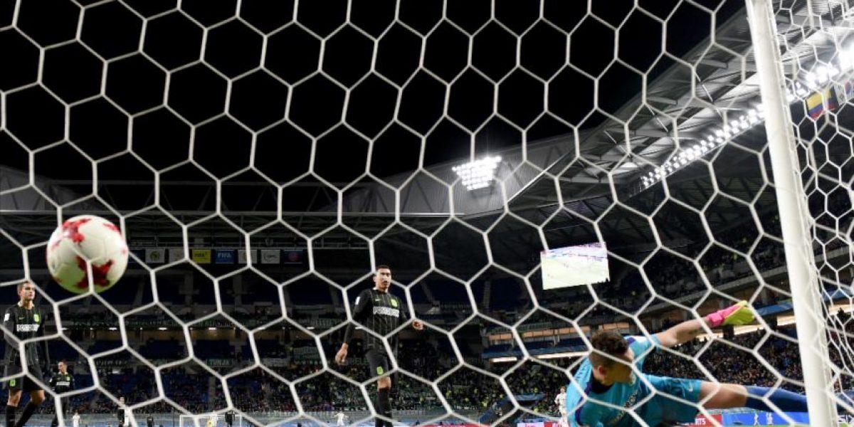 Árbitro sanciona primer penalti de la historia gracias al videoarbitraje