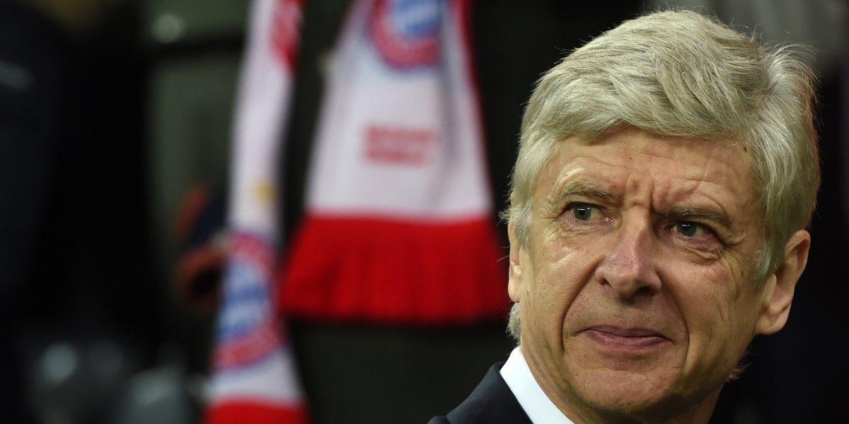 Mo Farah defiende de las críticas al técnico del Arsenal