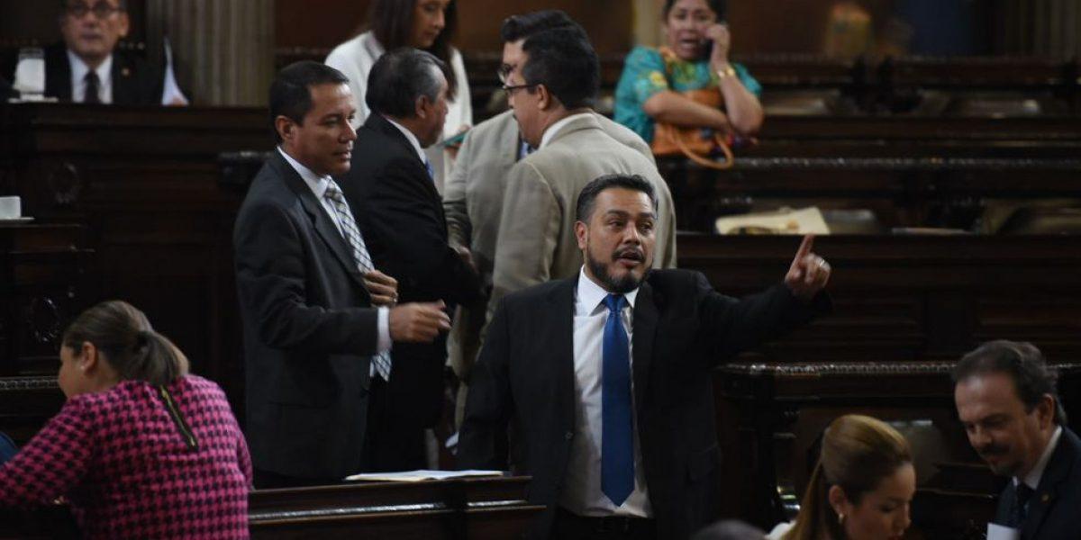 Diputados atrasan aprobar ley antimonopolios