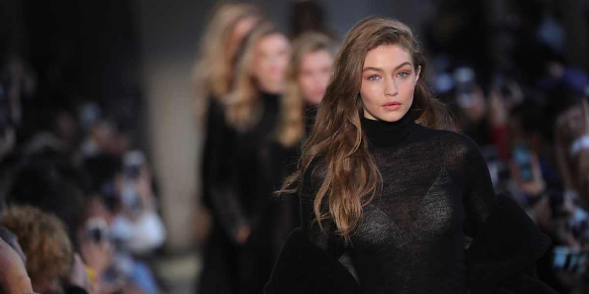 FOTO. La modelo Gigi Hadid es la portada de la primera edición de Vogue Arabia
