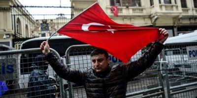 En plena crisis abierta, Erdogan advierte a Holanda que