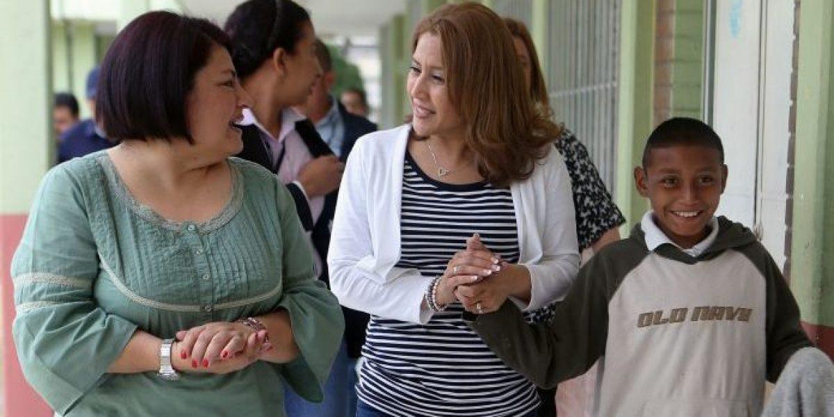 Primera dama visita a menores trasladados de Hogar Seguro Virgen de la Asunción