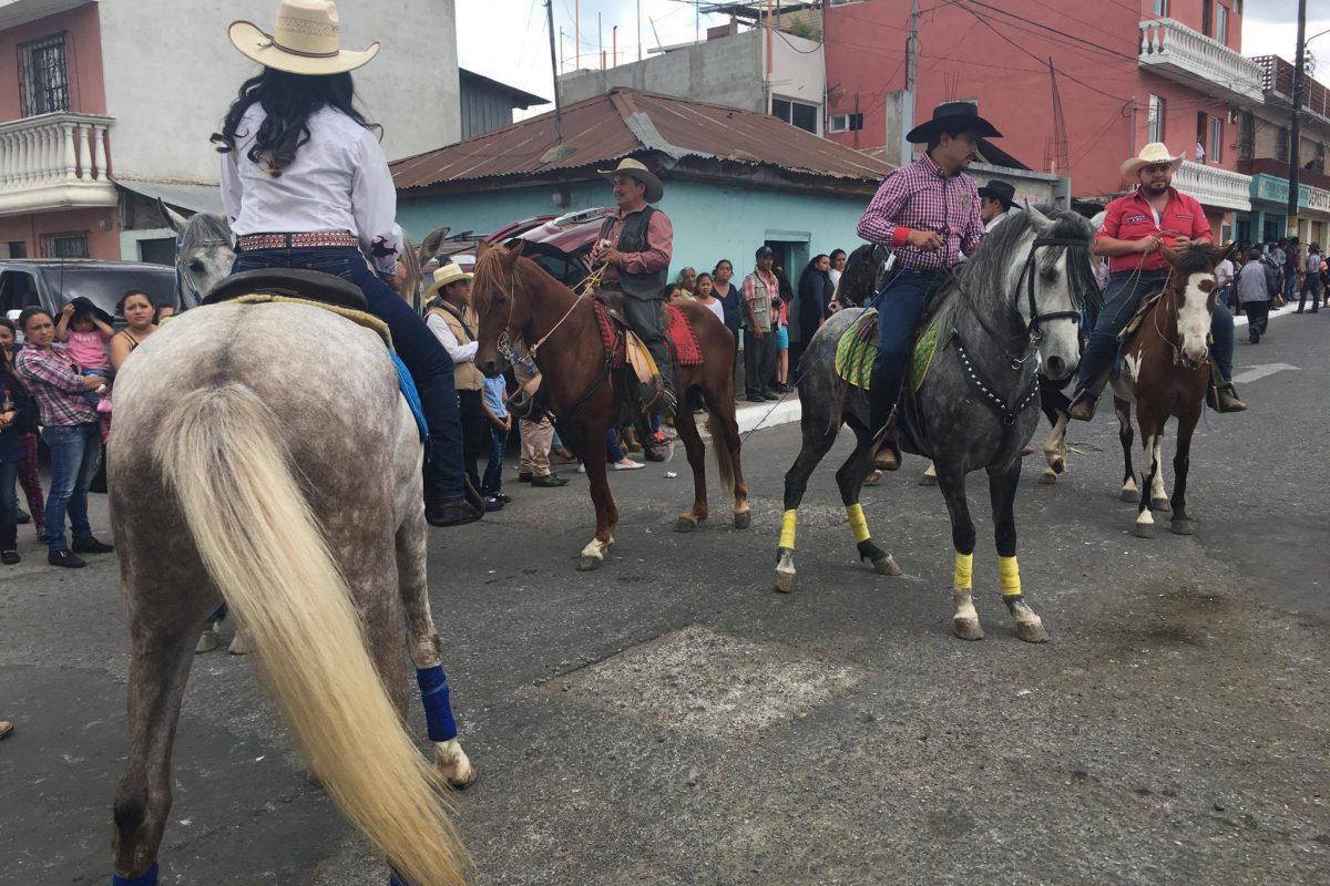 Desfile hípico en San José Pinula. Fotos: Wendy Morataya. Imagen Por: Desfile hípico en San José Pinula. Fotos: Wendy Morataya