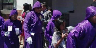 Iglesia evangélica brinda agua pura a cucuruchos en La Antigua