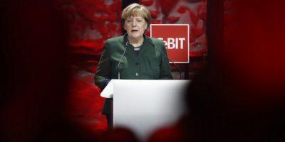 Merkel amenaza a los dirigentes turcos con prohibir actos electorales