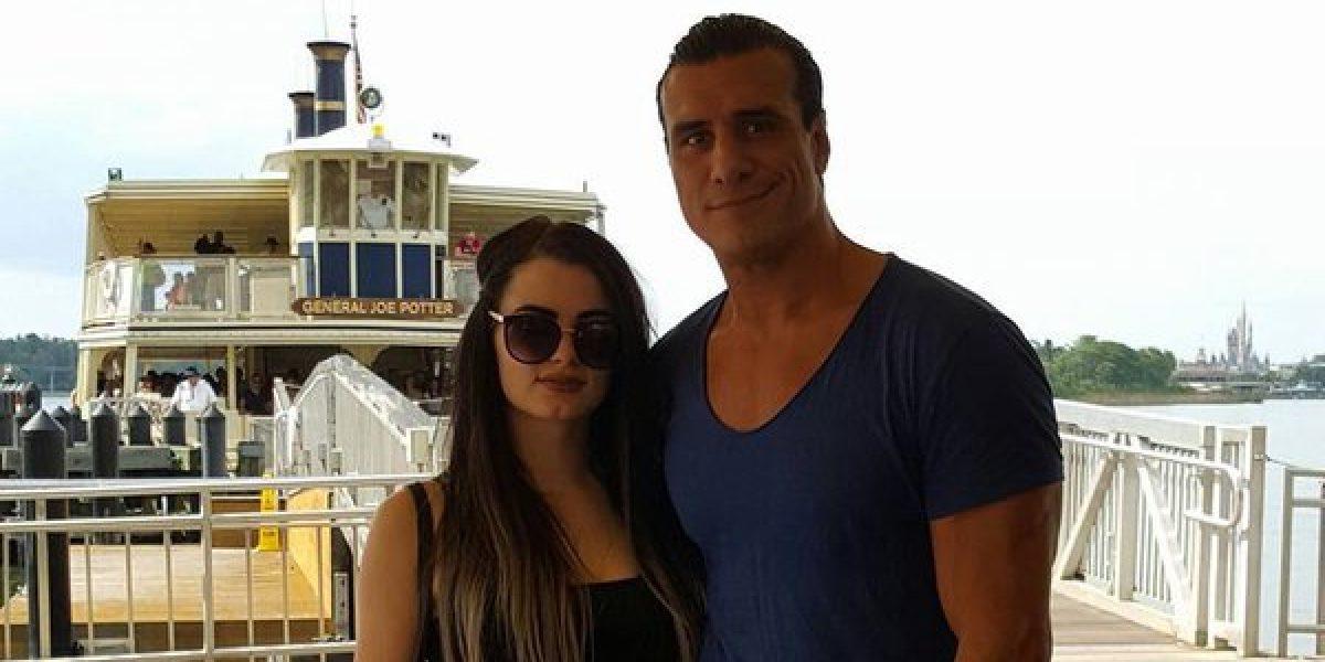 Después de la filtración de fotos íntimas de Paige, su prometido la apoya así