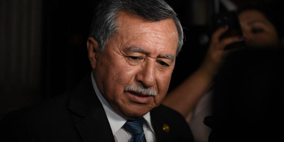 Edgar Ovalle es investigado por lavado de dinero