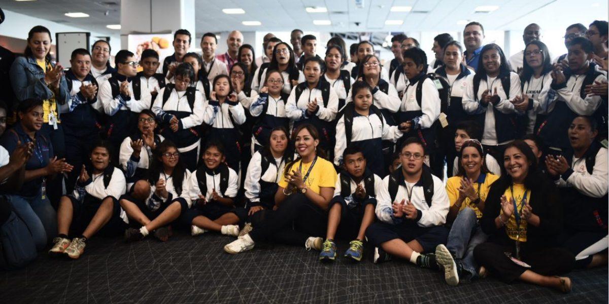 Panamá recibe como estrellas a los atletas guatemaltecos